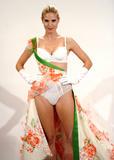 th_39142_Celebutopia-Heidi_Klum_participates_in_a_Victoria64s_Secret_fitting_in_New_York-03_122_1101lo.JPG