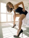 Jessica Alba Is it just me, or does it seem like she likes to roll around on the floor a LOT? Foto 541 (Джессика Альба Разве только мне или вам кажется, как она любит кататься по полу много? Фото 541)
