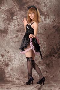 http://img131.imagevenue.com/loc252/th_232544121_Silver_Sandrinya_maid_3_034_122_252lo.jpg
