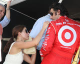 th_84717_Preppie_-_Ashley_Judd_on_Pit_Road_at_Homestead_Miami_Speedway_-_October_9_2009_1178_122_474lo.jpg