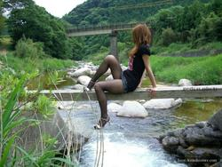 [Image: th_032883135_tduid2978_Pantyhose_Outdoor...3_52lo.jpg]