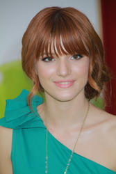 http://img131.imagevenue.com/loc564/th_595662848_Bella_Thorne_The_Muppets_Premiere_Hollywood_122_564lo.jpg