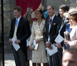 th_51864_celebrity_paradise.com_The_Duchess_of_Cambridge_Zara_wedding_081_122_582lo.jpg