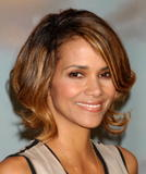 th_59922_Halle_Berry_2009_Jenesse_Silver_Rose_Gala_Auction_in_Beverly_Hills_86_122_713lo.jpg